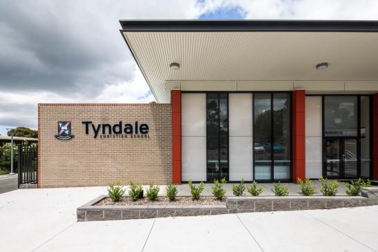 Tyndale-3335